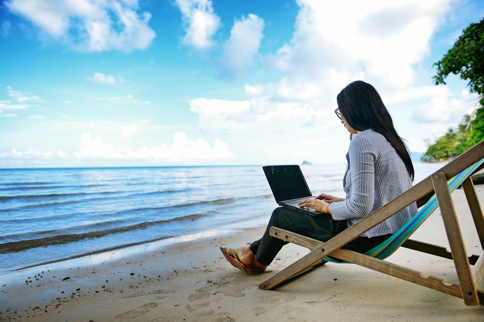 10 exciting telecommute jobs for hawaii residents