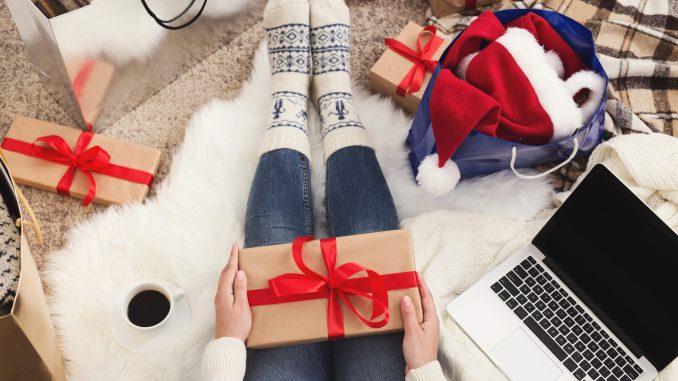 festive remote jobs
